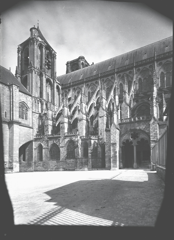 [Bourges (France), the Cathedral of St. Etienne]