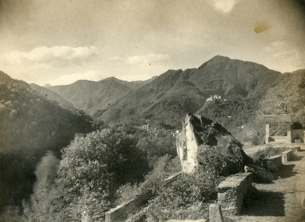 [Varallo Region (Italy)?, view of the mountains]