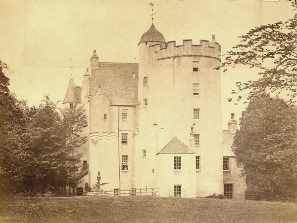 [Aberdeenshire (Scotland), view of Midmar Castle]