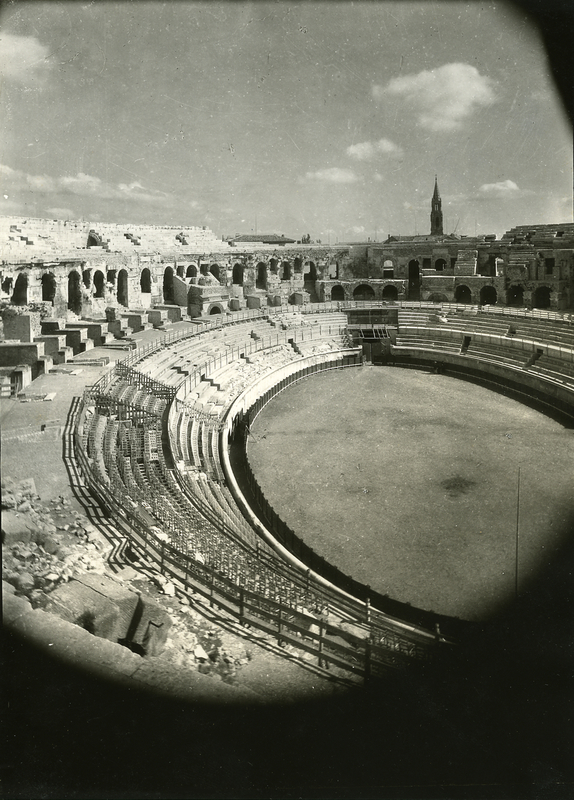 [Nîmes (France), the amphitheatre]