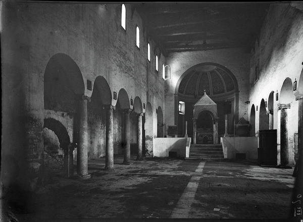 [Palombara Sabina (Italy), Abbey of San Giovanni in Argentella, interior]
