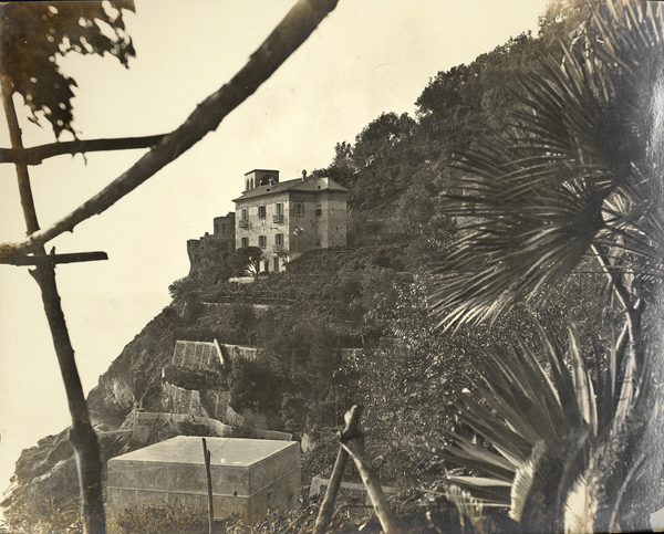 [Amalfi (Italy), building halfway up the slope]