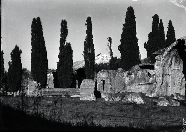 [Hadrian's Villa (Tivoli, Italy), view of the Large Baths]